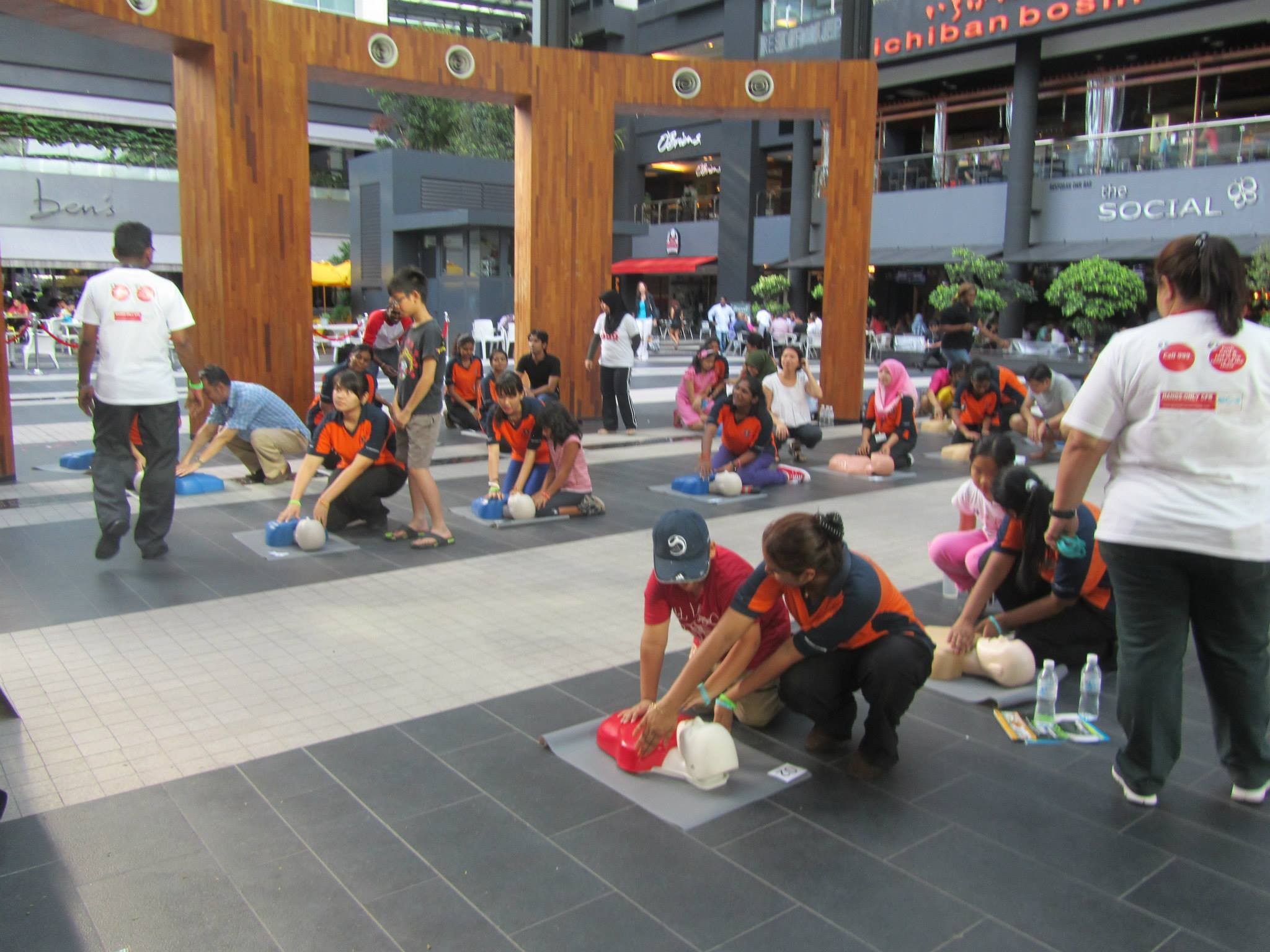 Global Doctors CPR training at Publika 2